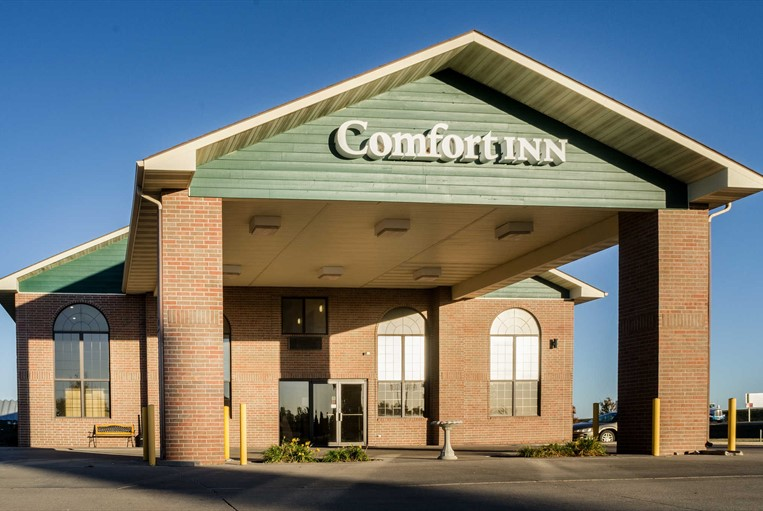 This 49 Hotel Provides An Excellent Cash Flow Opportunity For Investor Operator The Opened In 1997 As A Comfort Inn And Is Pre Roved